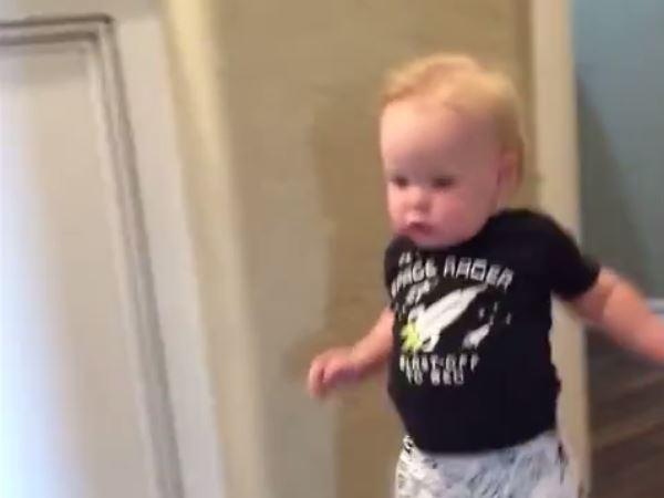 Niño Asustado Gritando: Video Viral De Un Niño Asustado Por El Rugido De Su Abuelo