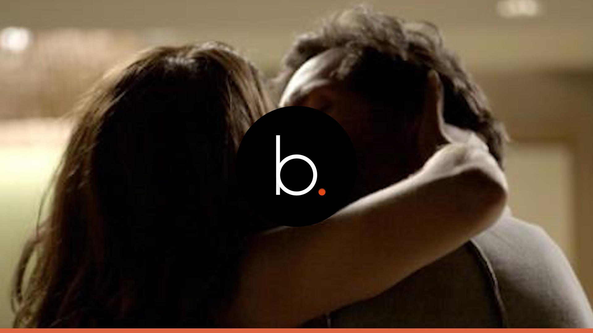 'A Força do Querer': Caio é flagrado beijando Bibi e coloca tudo a perder