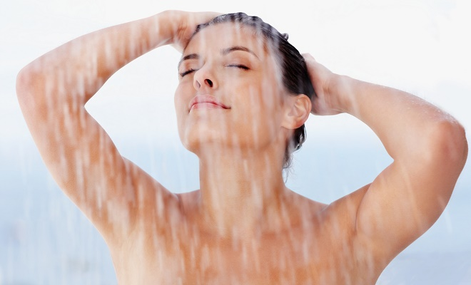 Erro comum ao tomar banho pode trazer sérias consequências.