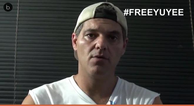 Frank Cuesta molesto con un joven internauta por llamarle fascista