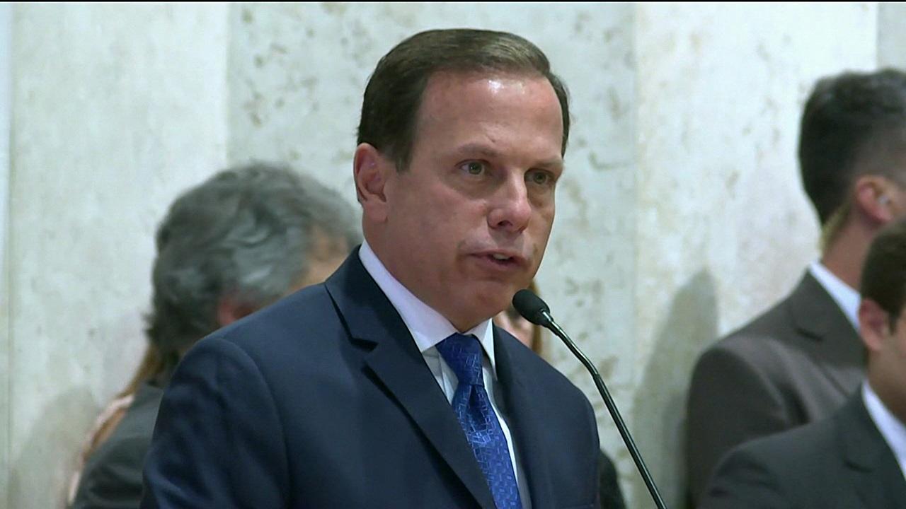 Assista: Denunciado na Lava Jato, 'Santo' admite que vai concorrer à Presidência