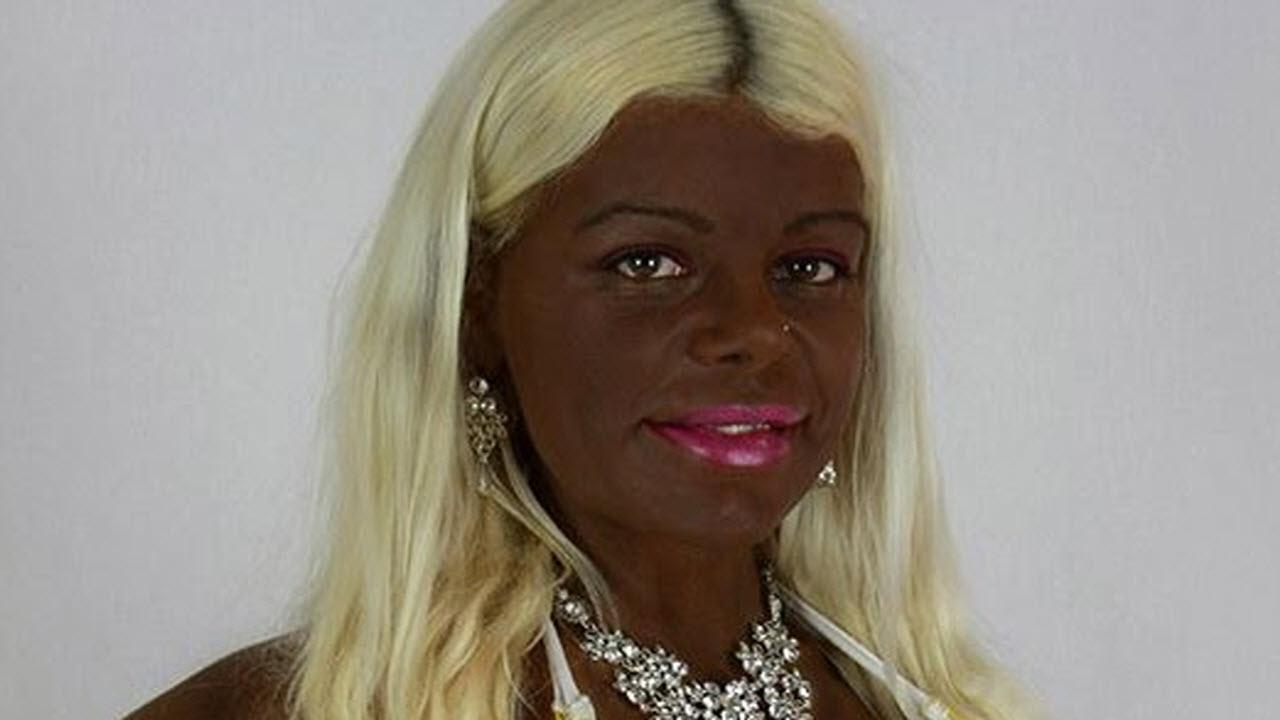 Martina Big, l'hostess bianca che è diventata nera