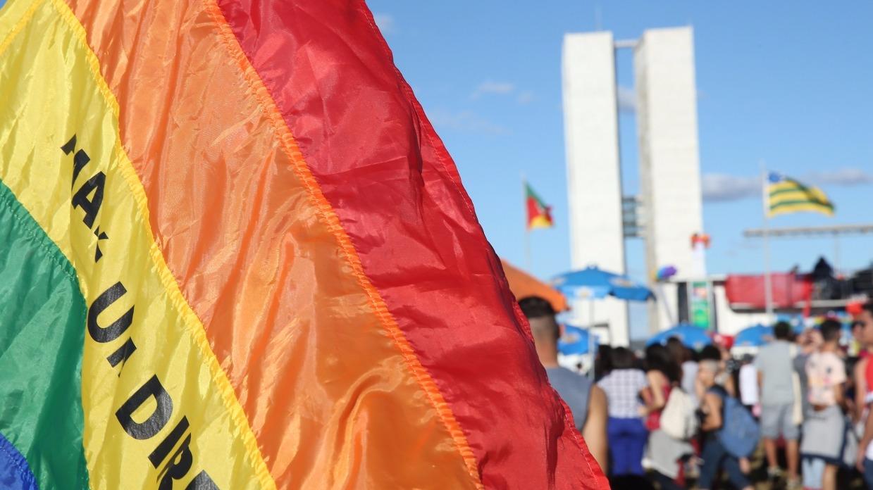Confira relatos de quem já passou pela 'cura gay'; eles impressionam