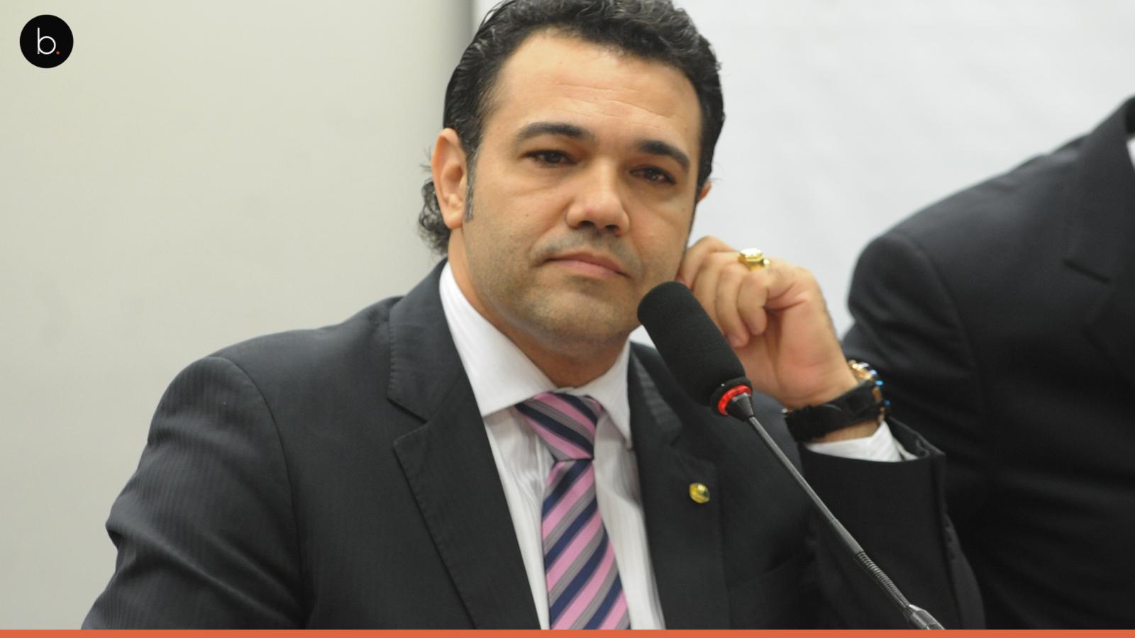 Marco Feliciano tenta censurar exposição de fotos