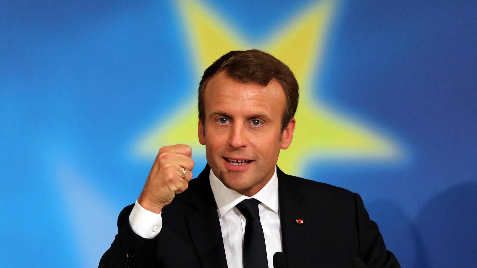 Macron en habit de gala présidentiel pour expliquer son programme sur TF1/LCI