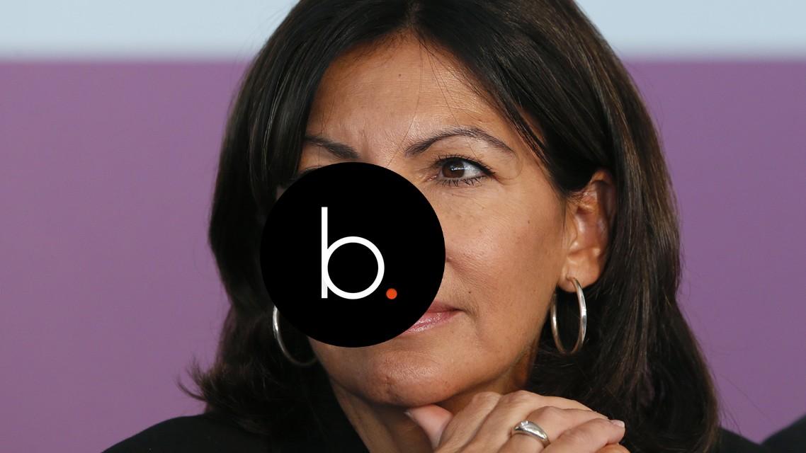 Emploi fictif: Anne Hidalgo porte plainte après publication d'un article