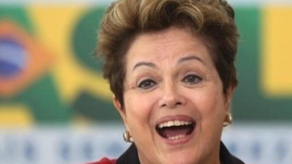 Dilma não termina tweet sobre as 3 coisas que Lula pode fazer e vira piada