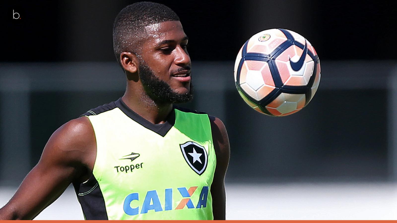 Palmeiras tira dois jogadores do Botafogo