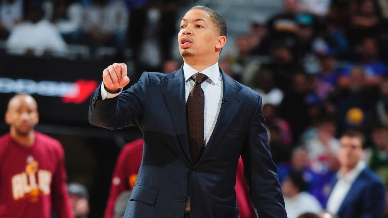Cavaliers coach Tyronn Lue sure Bucks are 'better' after Eric Bledsoe trade