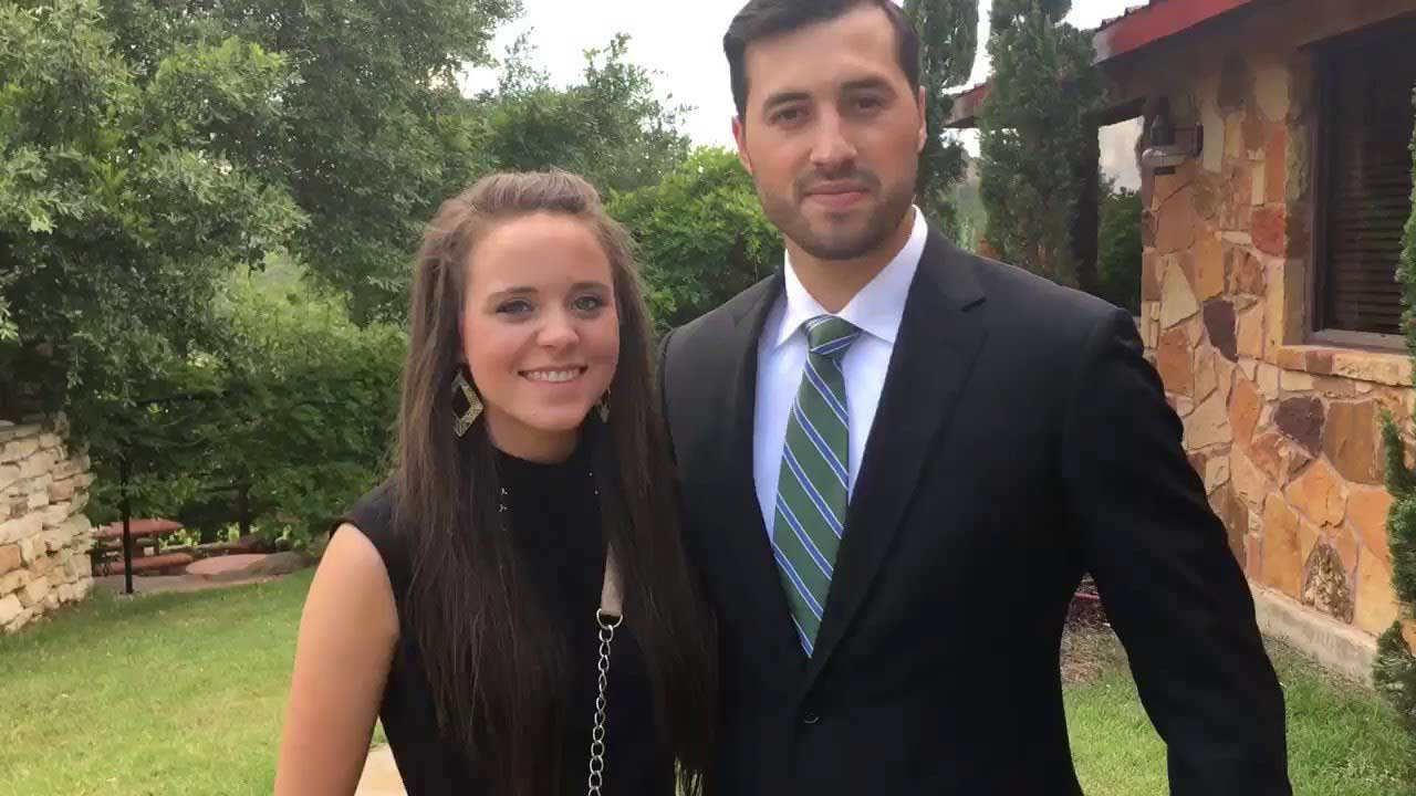 Jinger Duggar Vuolo wears ripped skinny jeans, blows 'Counting On' fans minds
