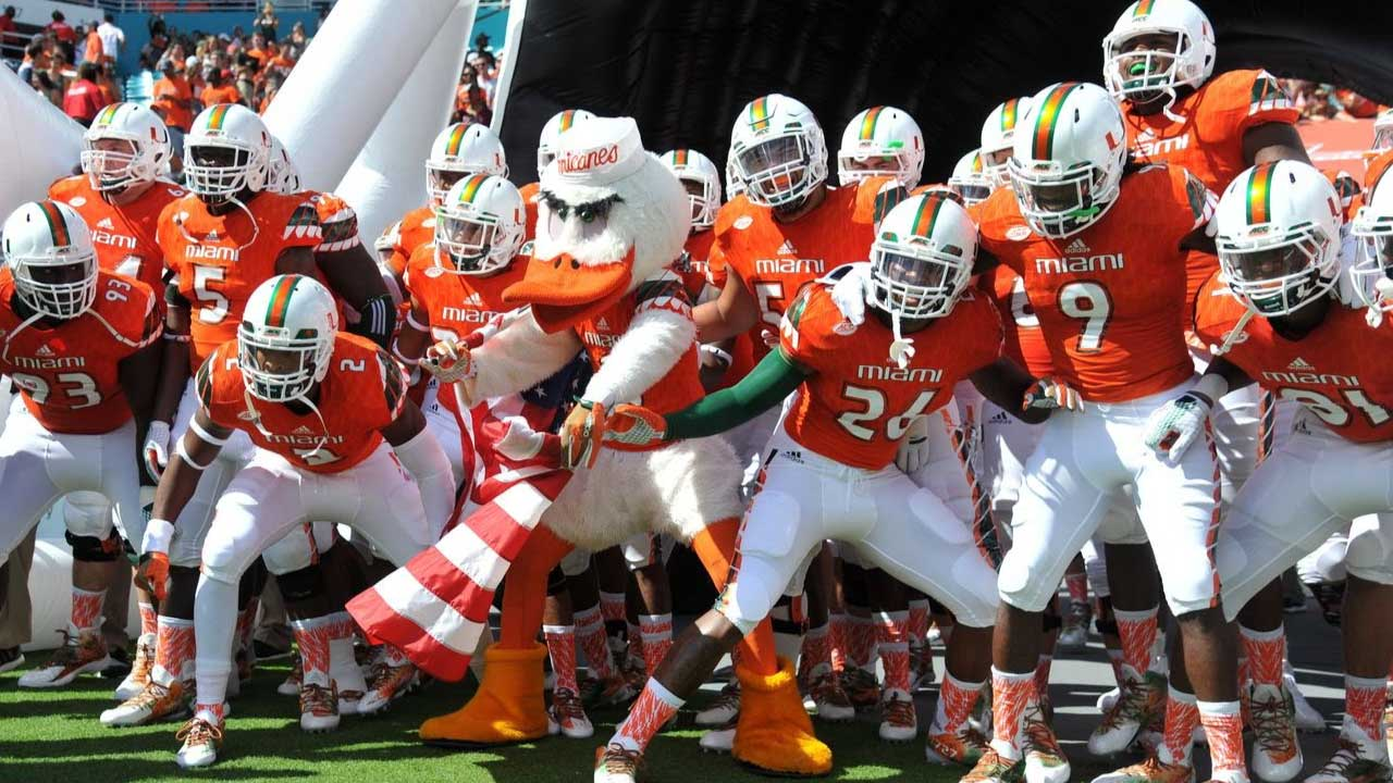 Miami Hurricanes, Auburn Tigers rise in new Top 25 poll; Title odds update