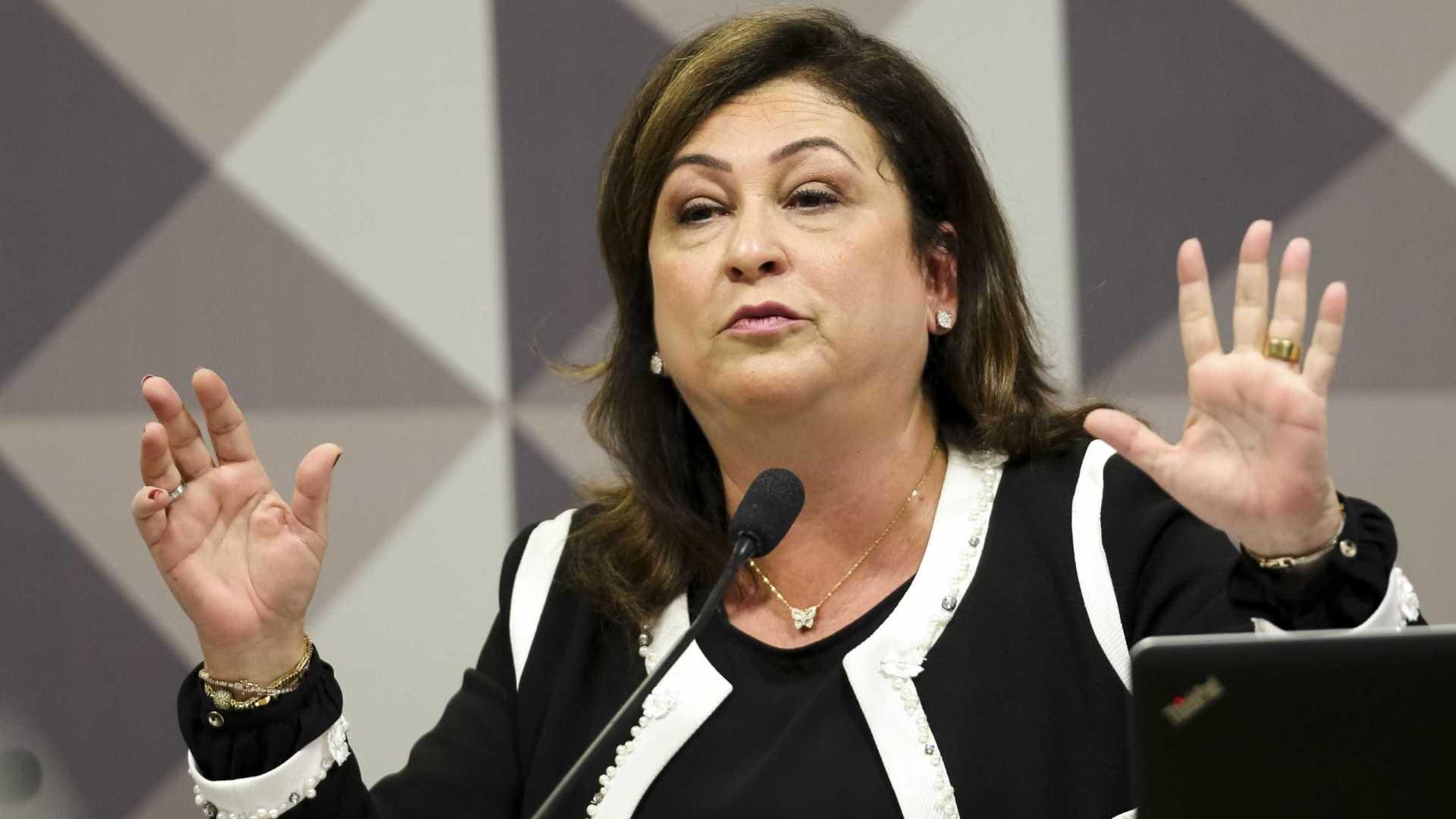 PMDB expulsa senadora por falar mal de Temer, mas mantém políticos presidiários