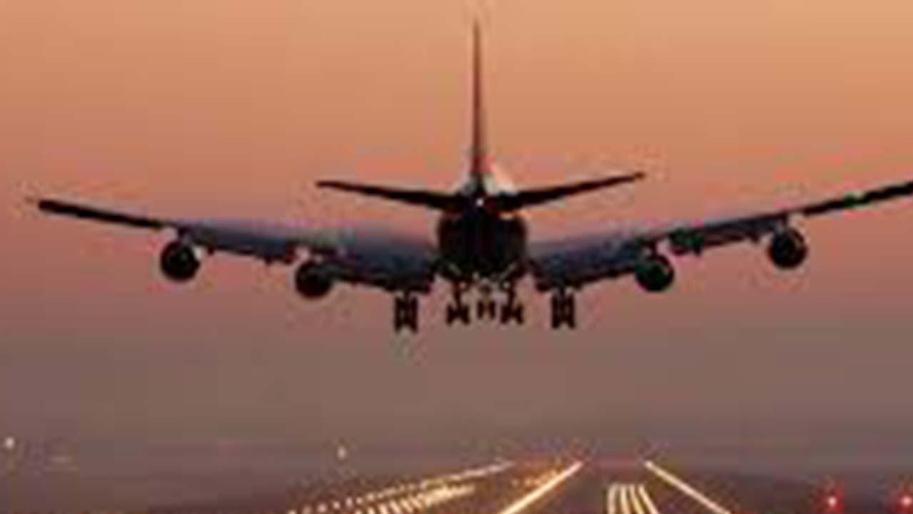 Decollo e atterraggio aereo: perché tenere l'oscurante del finestrino alzato?