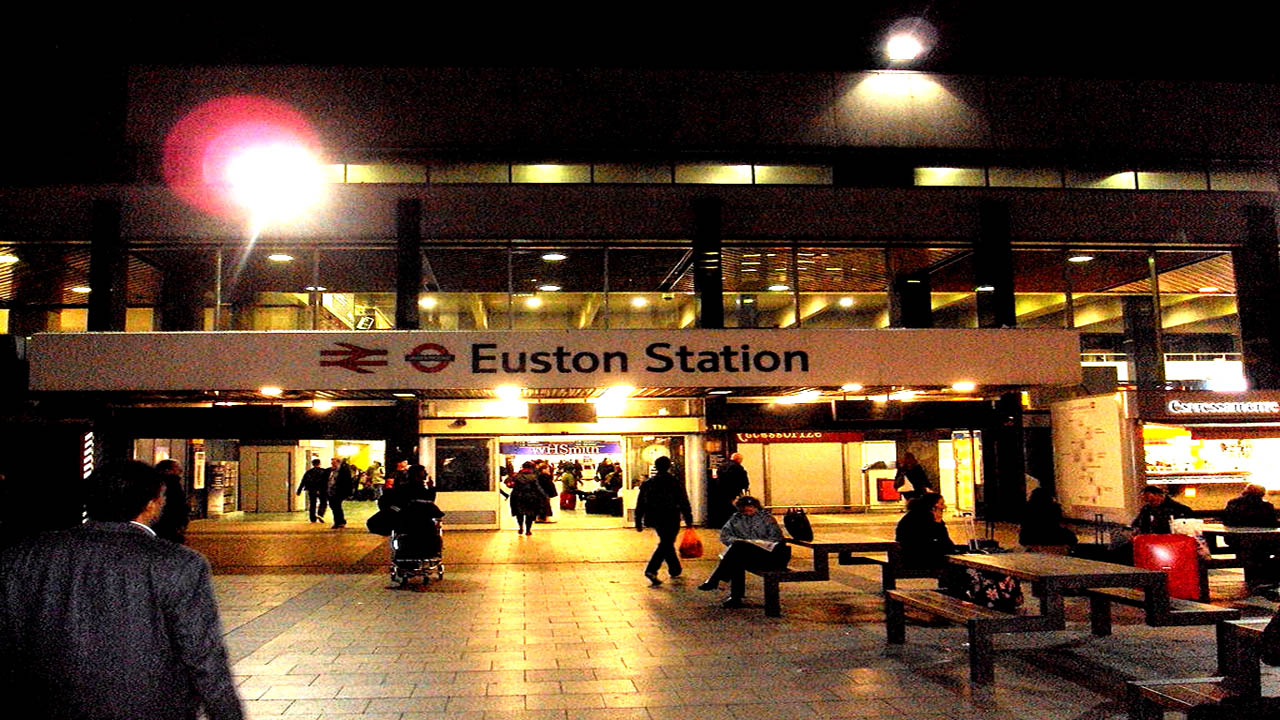 200 homeless to enjoy a Christmas Day feast at Euston Station in London