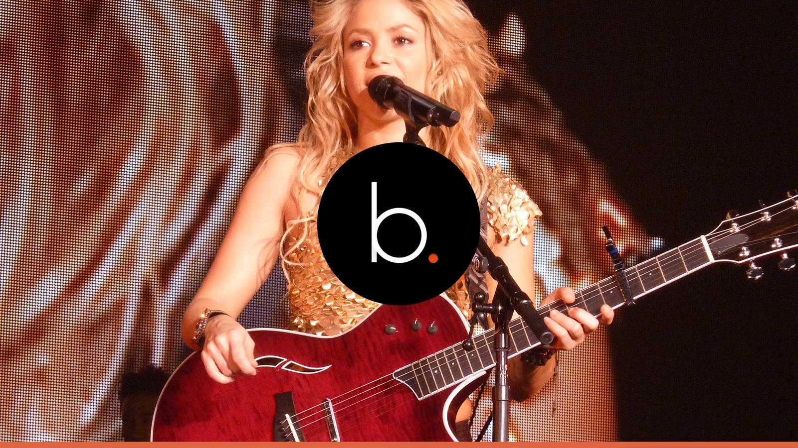 Assista: Shakira doente, teve que acionar a polícia para ajudá-la