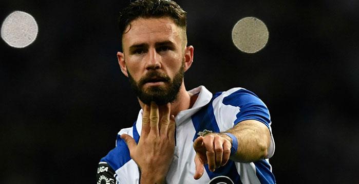 Miguel Layún podría jugar en la Serie A