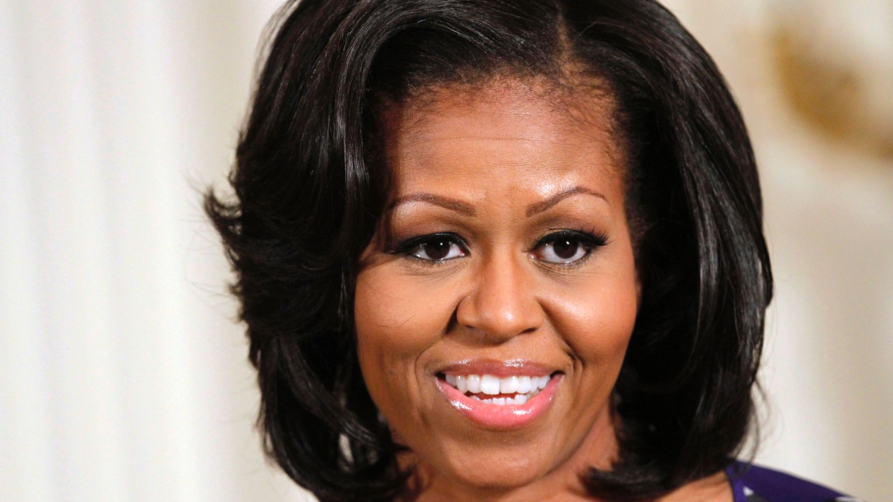 Vídeo: mulher de Obama exibe corpo em forma com biquíni