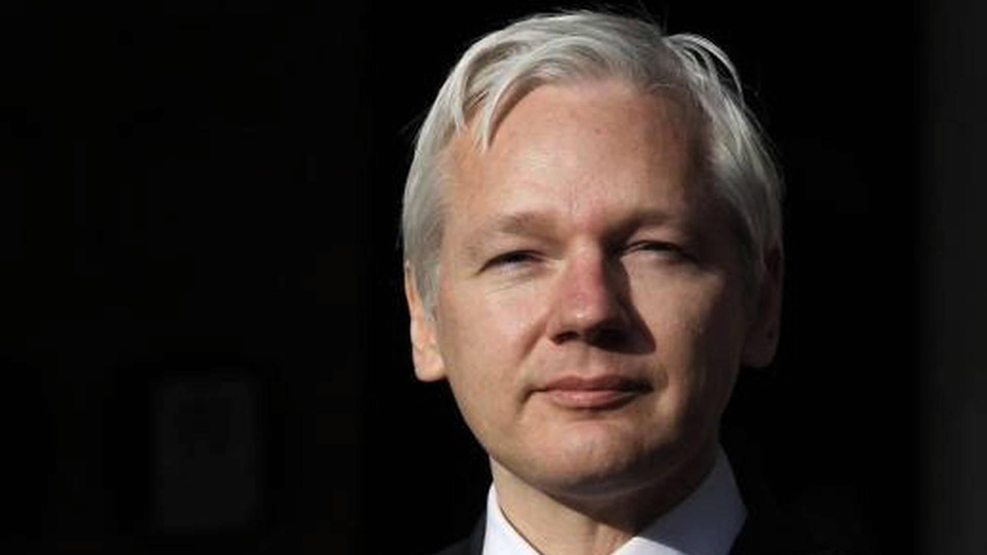 Examinamos a Julian Assange, y necesita urgentemente atención