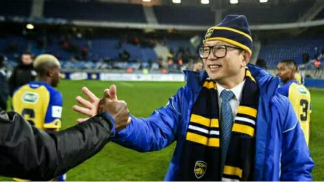 Après Lille, la DNCG menace un autre club historique !