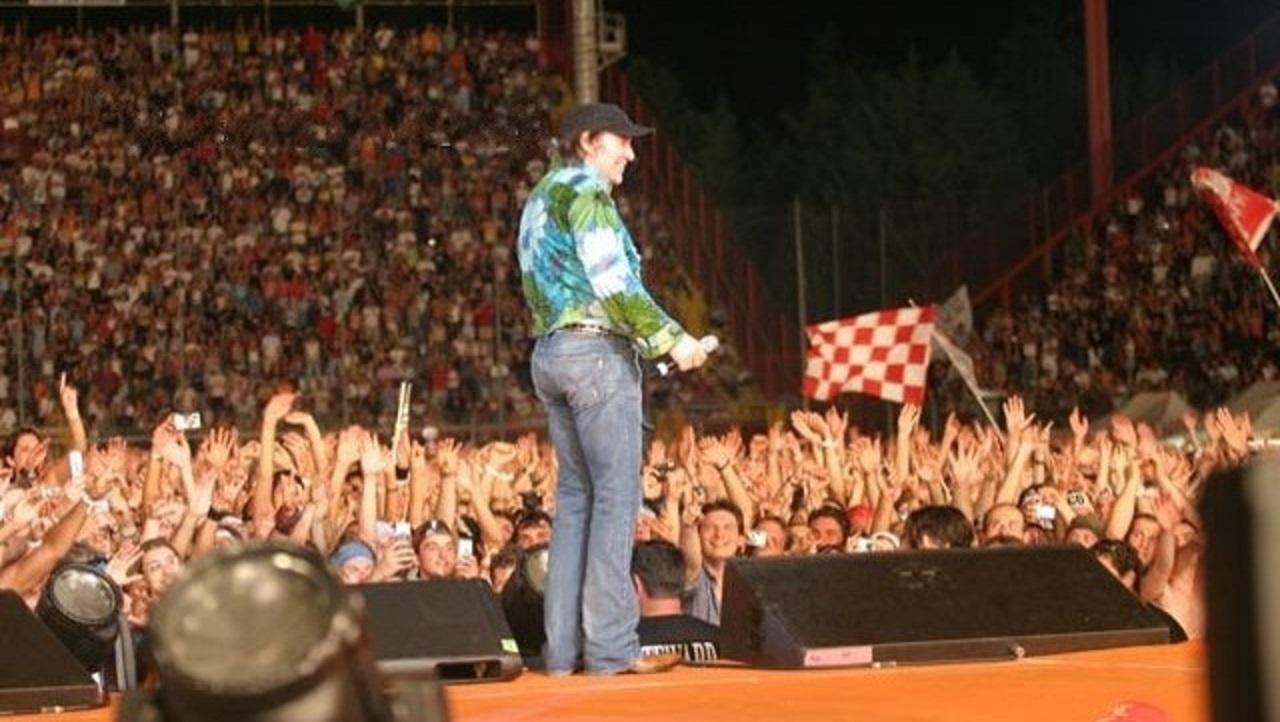 Vasco Rossi, auguri di buon compleanno al re del rock italiano