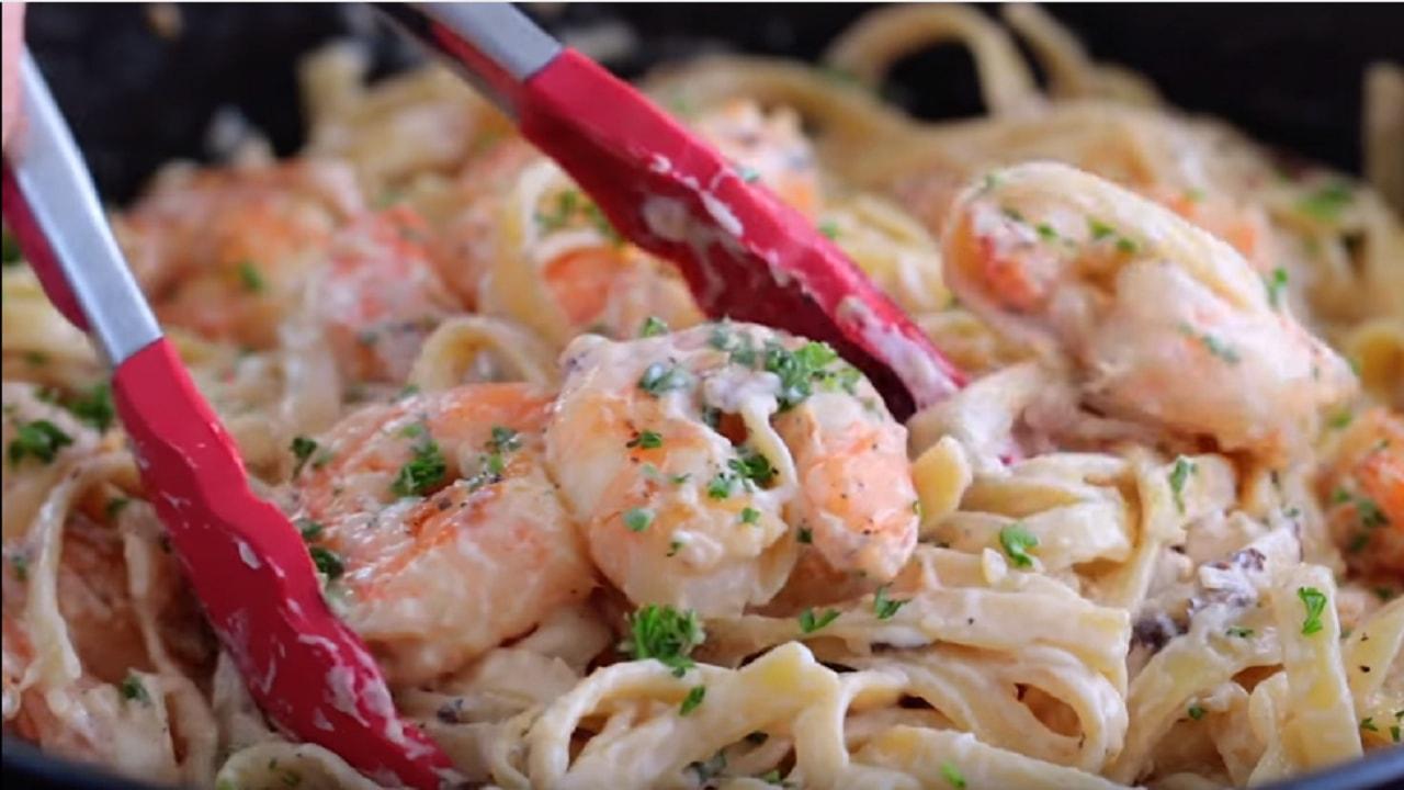 Shrimp Fettuccine Alfredo recipe