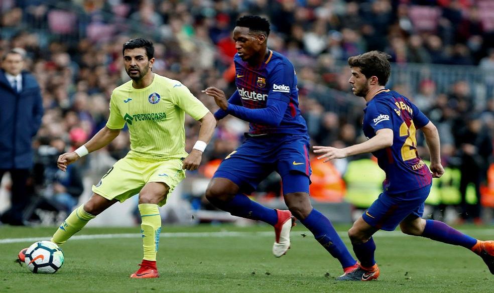 Futbol: El F.C Barcelona ya piensa en la posible salida de Yerry Mina