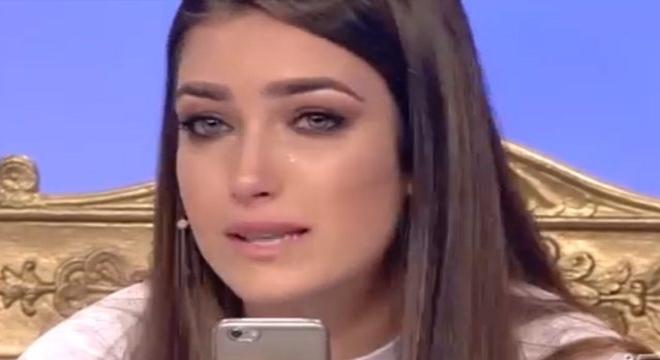 Gossip Uomini e Donne, Nilufar scoppia a piangere: ecco cosa le è successo