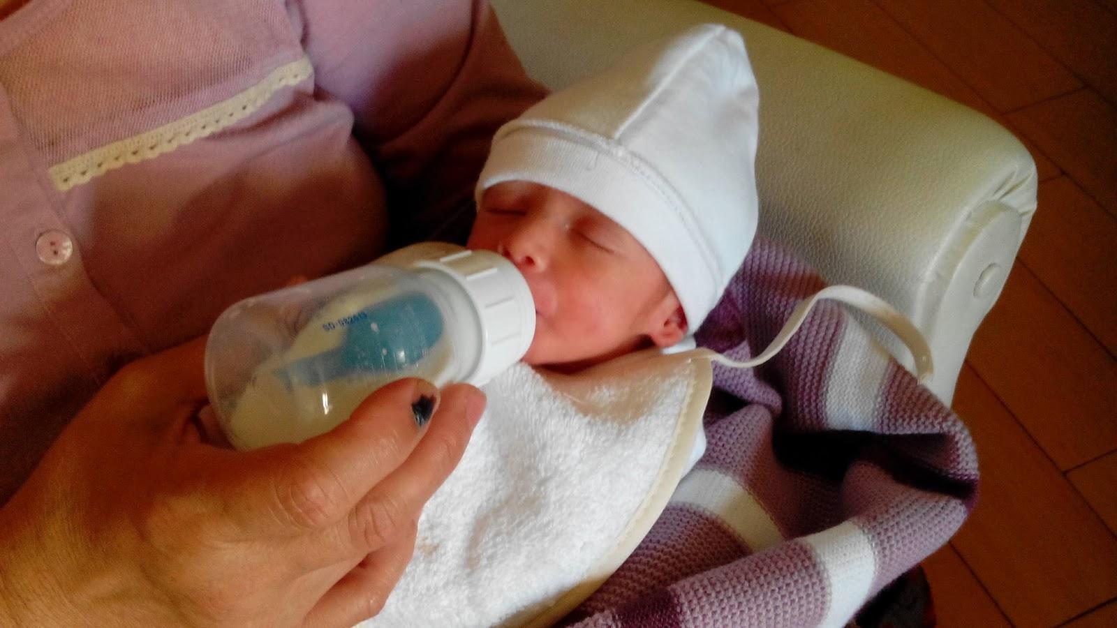 Lactancia artificial cuando falta la leche materna