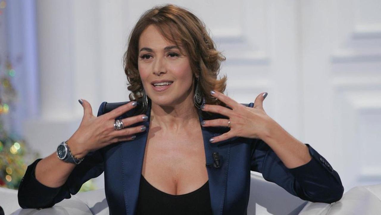 Barbara D'Urso nel mirino dell'AgCom dopo l'intervista Silvio Berlusconi