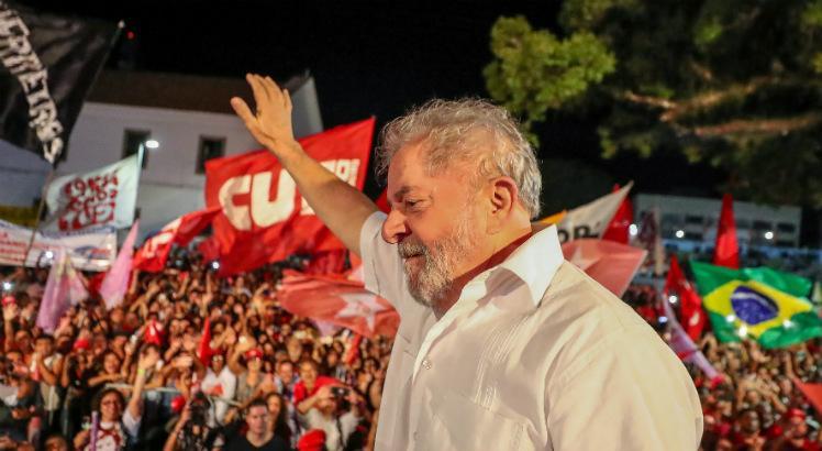 Lula elogia Michel Temer e ataca Rede Globo