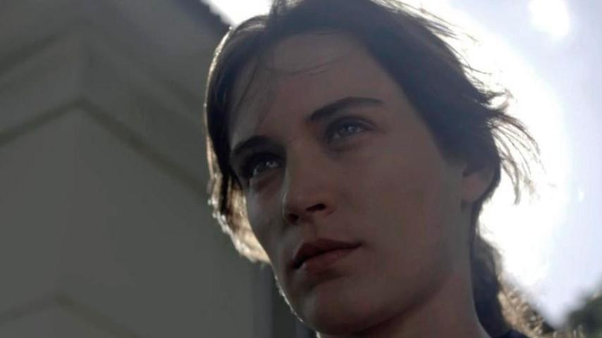 Em 'O Outro Lado do Paraíso', Lívia e Gael se unem à Clara