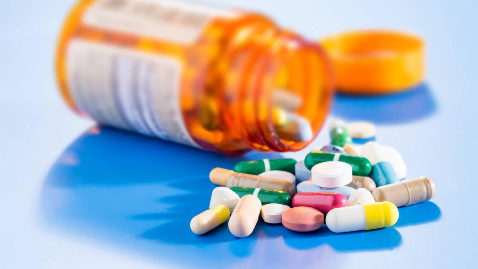 Farmacéuticos tienen hasta 4 licitaciones que expiran entre marzo y abril