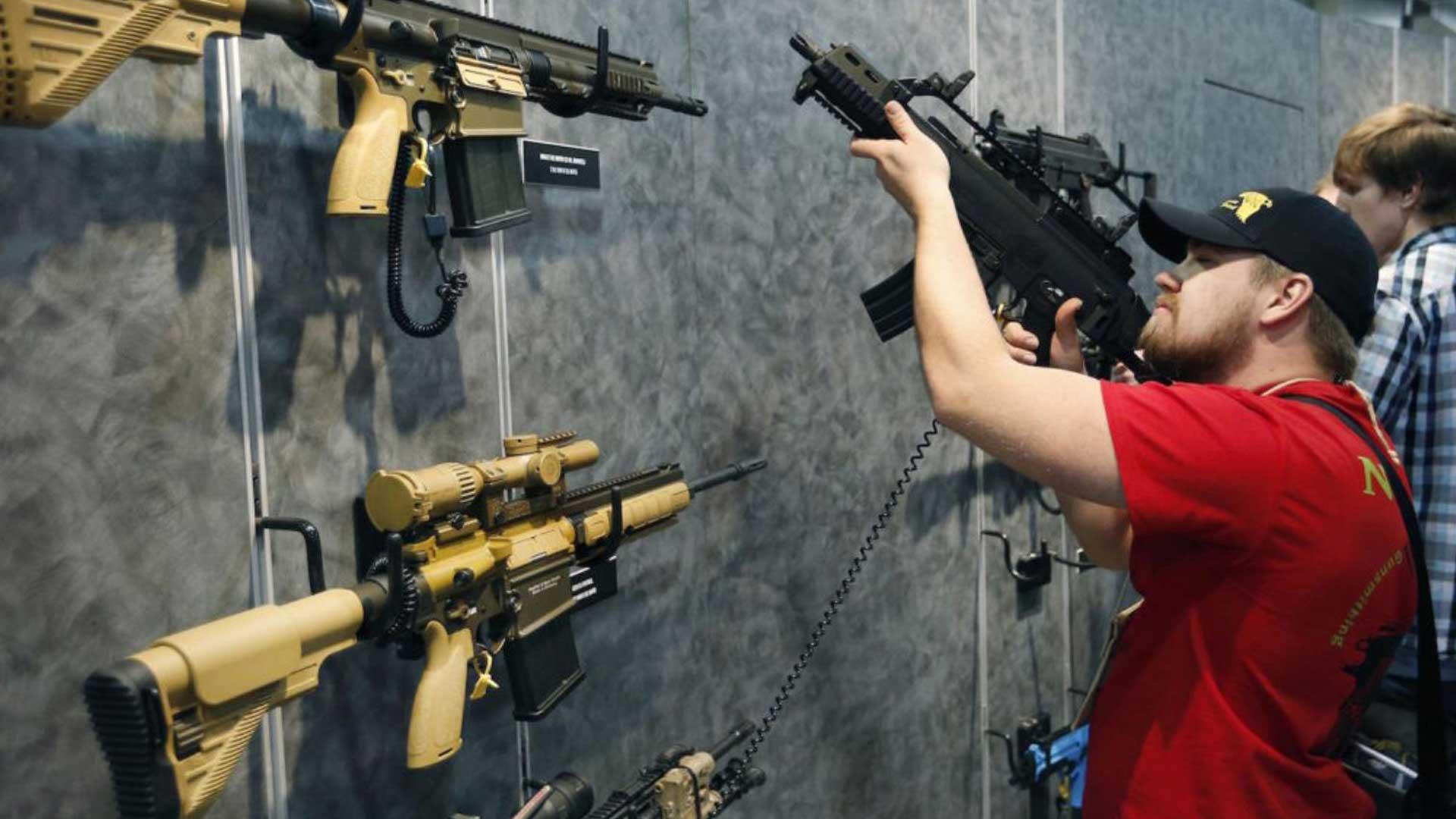 Florida aprueba proyecto de ley para aumentar el control de armas