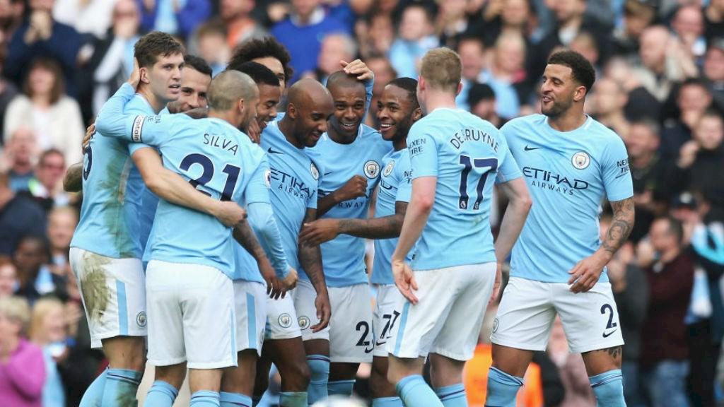 Manchester City ganó y goleó de la mano de David Silva