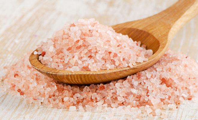 Beneficios de la sal del Himalaya para el cuerpo femenino