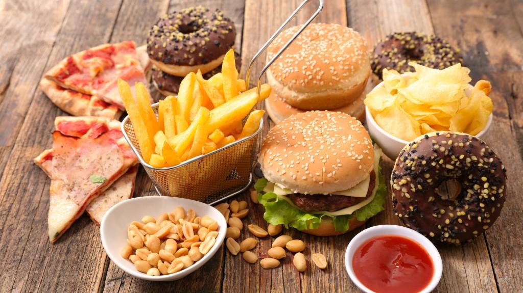 Cuidado con la comida chatarra podría causar cáncer