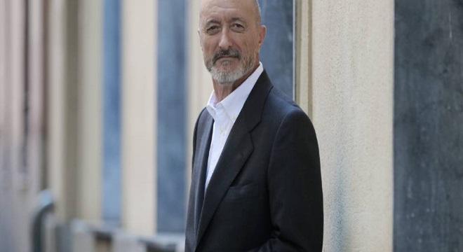 Arturo Pérez-Reverte presenta un nuevo libro