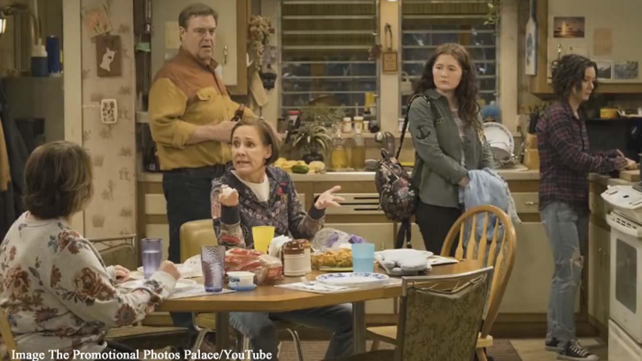 Roseanne gets the chair in 'Roseanne' season 10, episode 3