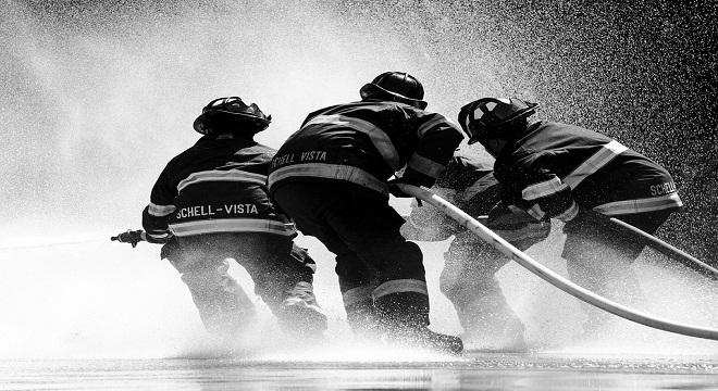 Tres bomberos españoles serán juzgados en Grecia