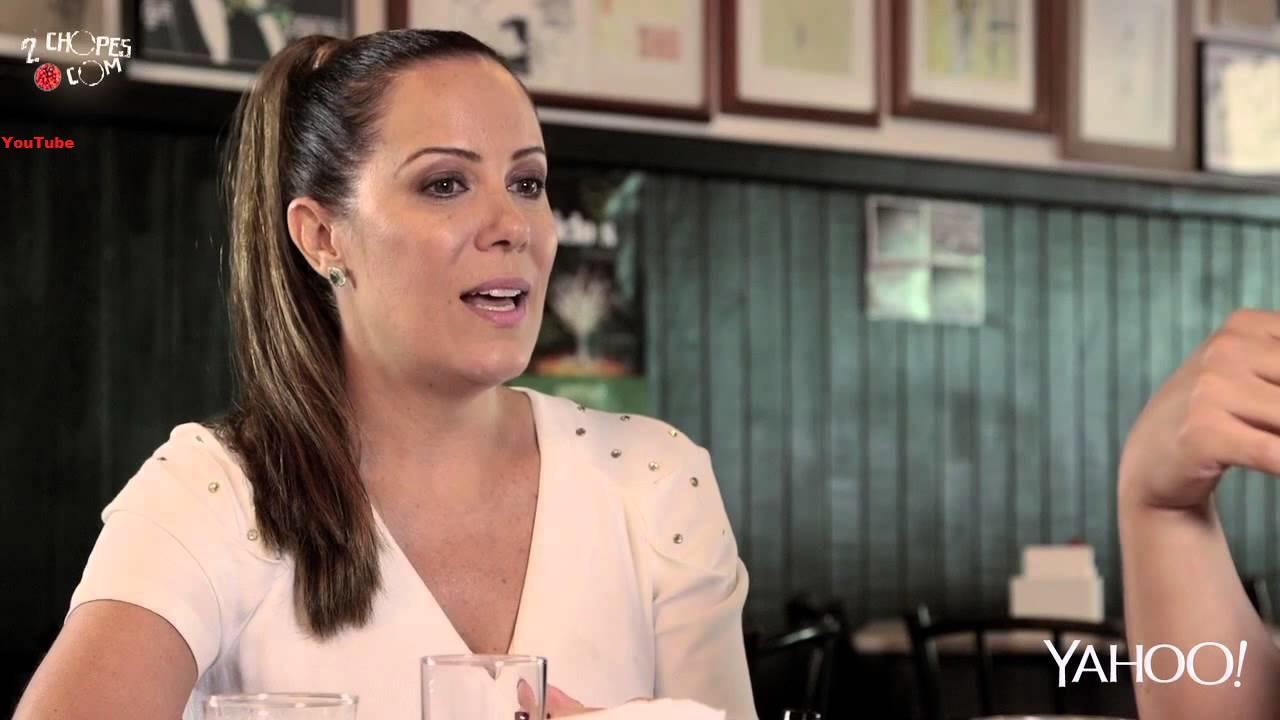 Ex-apresentadora do 'Casos de Família' aparece com biquíni colado e impressiona