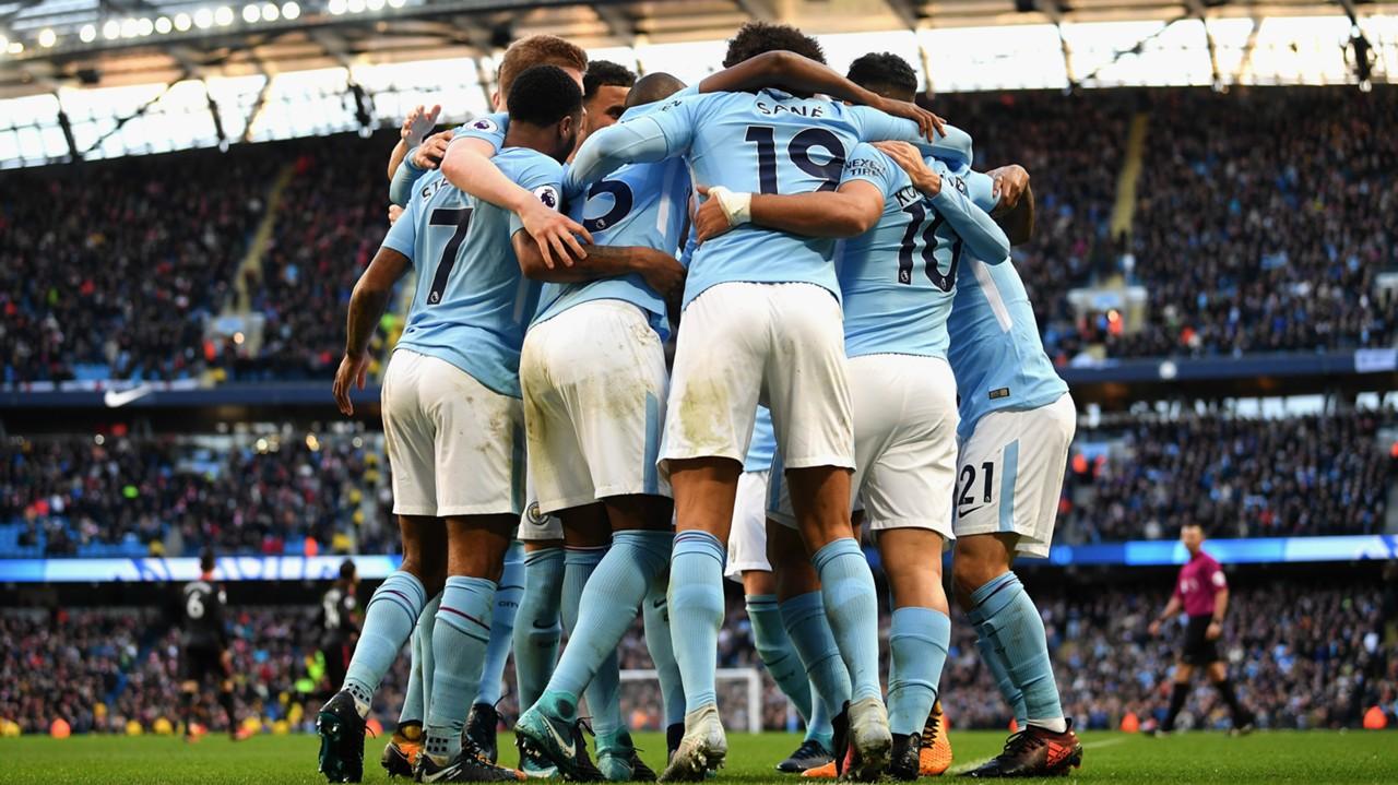 Manchester City pierde en el derby y no logra asegurar la Premier League