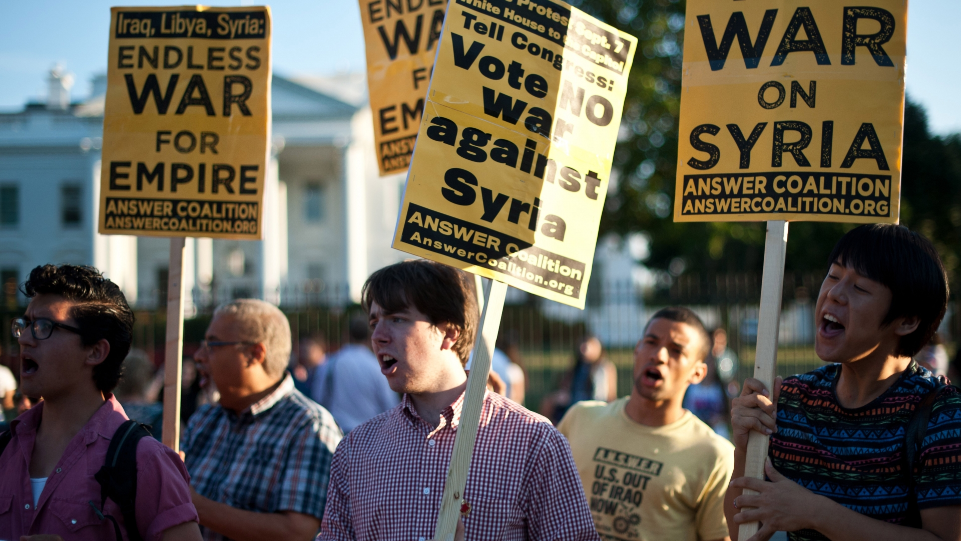 ¿Sera Siria atacada por Inglaterra sin el permiso del parlamento?