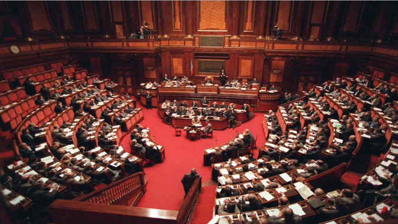 Nuovo governo m5s stufo si va verso nuove elezioni for Logo senato della repubblica
