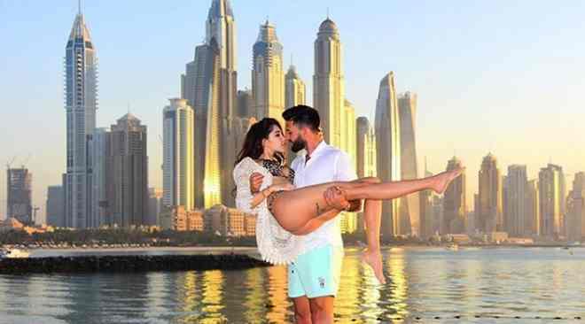 Nabilla et Thomas arnaquent une agence à Dubaï !