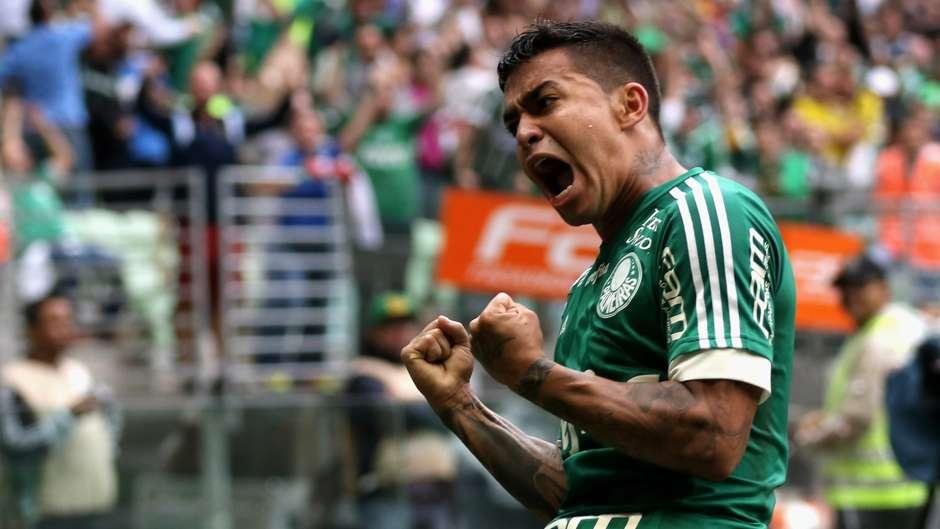Após vitória, Dudu se desculpa com a torcida do Palmeiras