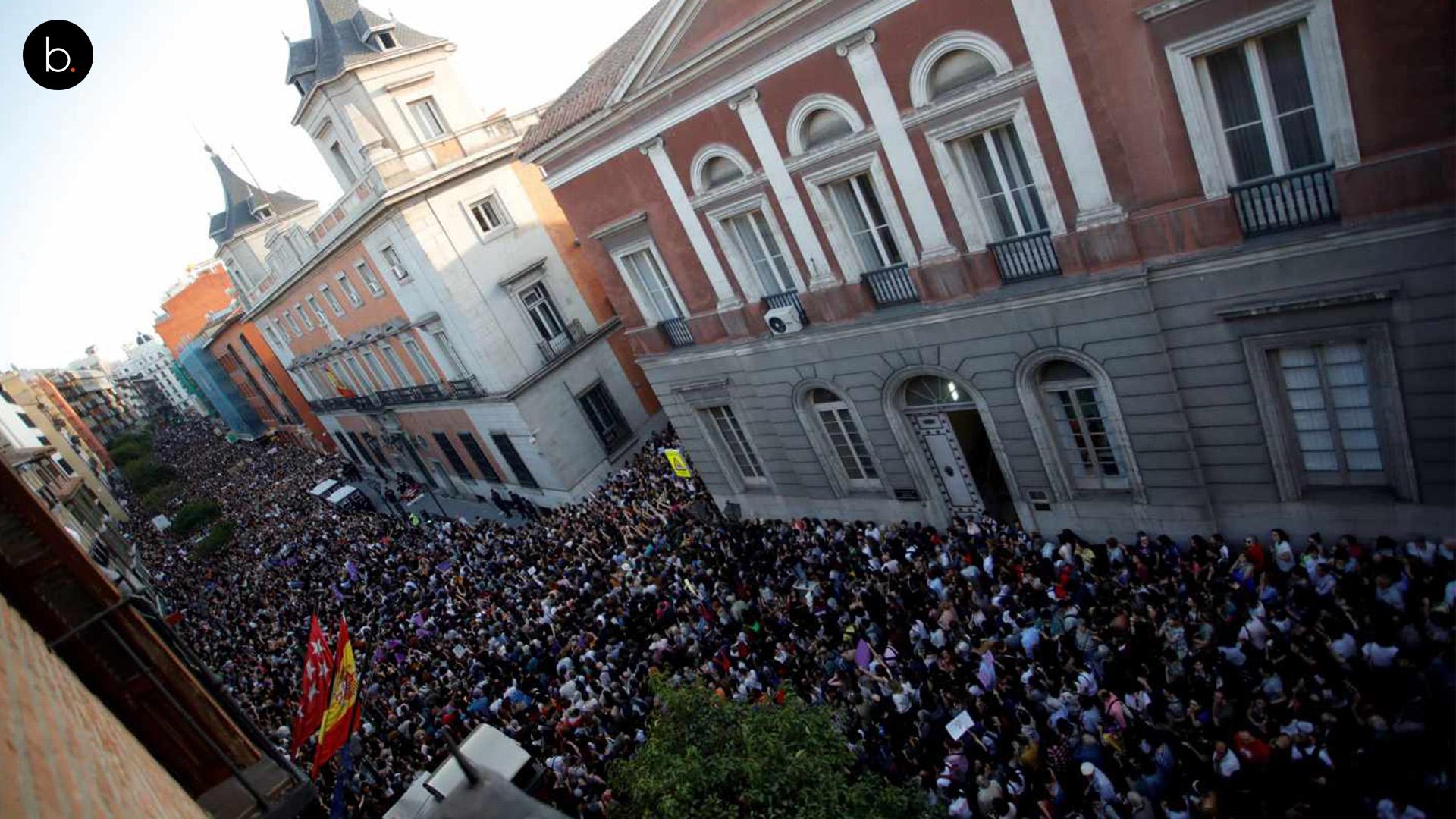 Manuela Carmena estalla contra los jueces de La Manada y deja atónitas las redes