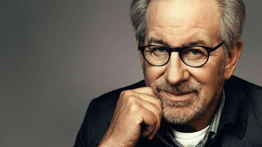 DC se aferra a Steven Spielberg, que aborda una película de Blackhawk