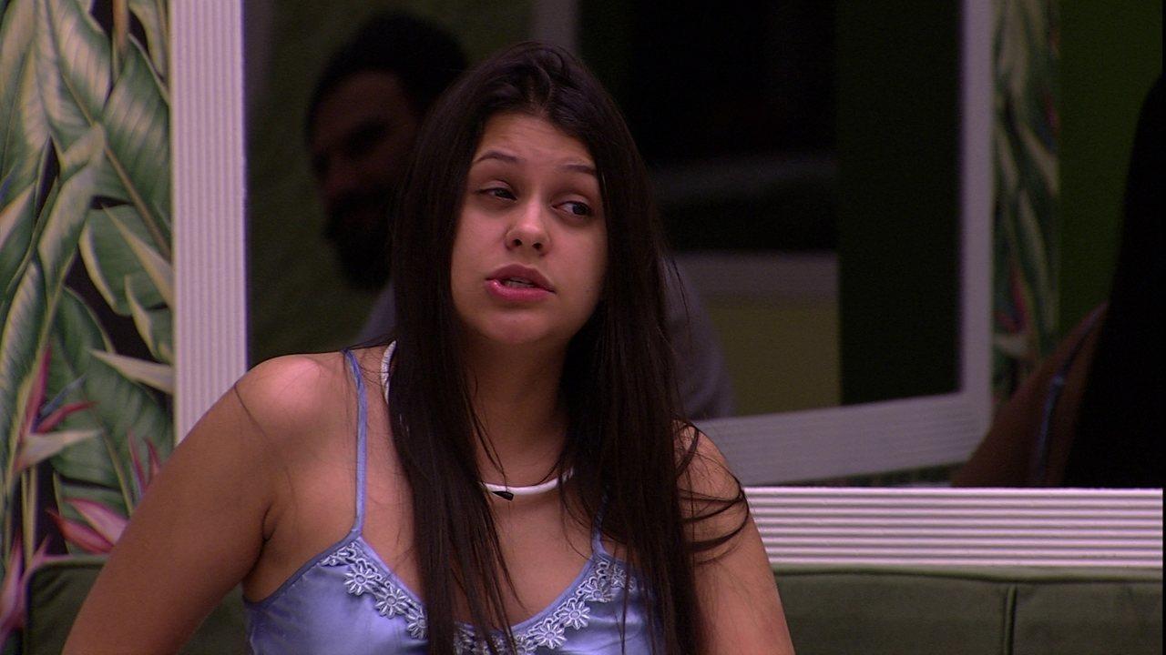 Após campanha de ódio, Ana Paula volta às redes sociais