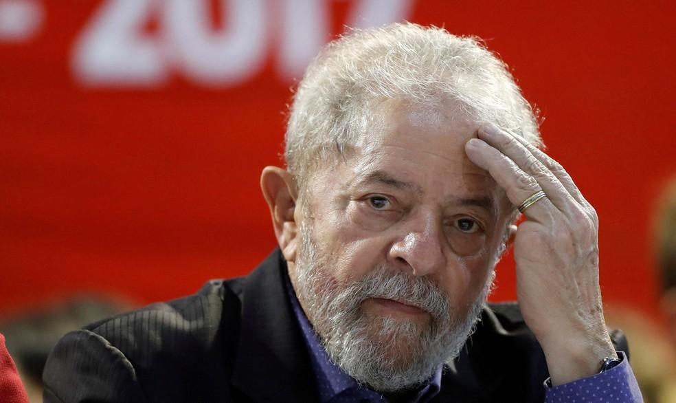 Encontro secreto de Lula coloca ministros do Supremo sob questionamento