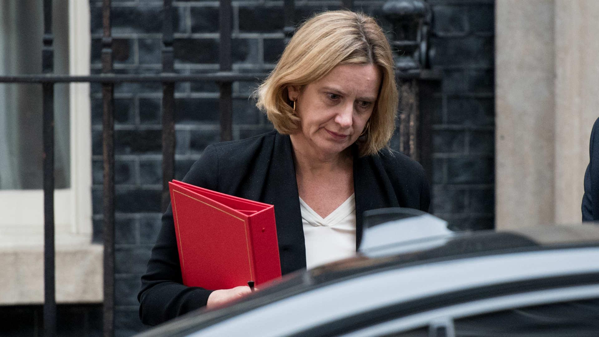 El escándalo de la deportación obliga a Amber Rudd a renunciar en desgracia